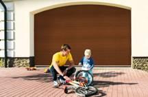 Секционные гаражные ворота соответствуют требованиям ЕС в отношении безопасности